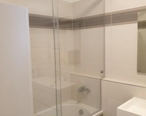Sklenené sprchové boxy - 48