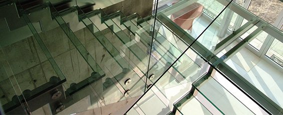 sklenené schodiská
